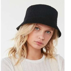 New Urban Outfitters Ella Black Woven Bucket Hat